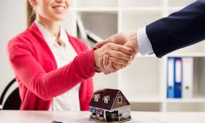 Kredyt czy pożyczka to niekończący się temat, w co drugiej rodzinie. Warto jednak uważać.