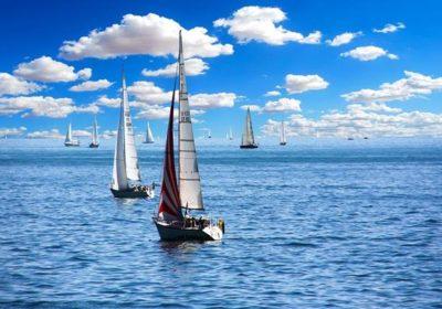 Jaki jest niezbędny osprzęt żeglarski?